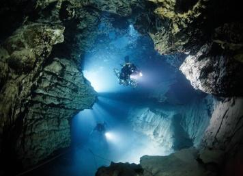 Molnár Janos Cave 2019